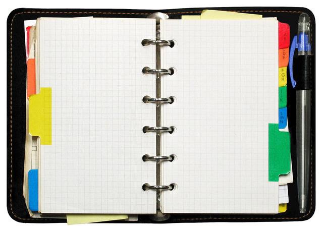Jak zaprojektować i wydrukować notatniki z logo firmy?